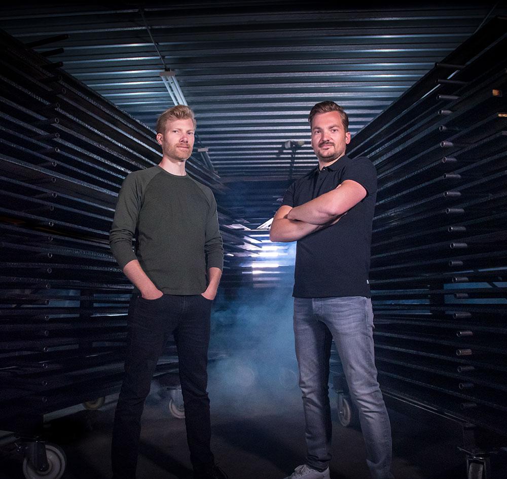 Broers Koen en Thijs ter Denge, oprichters en directeurs Burned Wood B.V.
